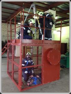 Отработка навыка эвакуации пострадавшего при помощи трипода. Вид 1