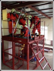 Отработка навыка эвакуации пострадавшего при помощи трипода. Вид 2